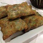 Kalitsounia (Cretan herb pies)