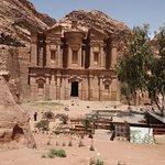 صورة فوتوغرافية لـ الدير