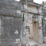 Фотография North Gate