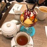 ภาพถ่ายของ Harrods Cafe and Ice Cream Parlour, Emquartier