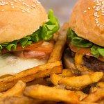 """Nous appelons nos burgers """"Par-Faim"""" ce n'est pas pour rien."""