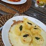 Gnocchi alla romana e prato do dia que era penne com ragu de linguiça! Maravilhosos