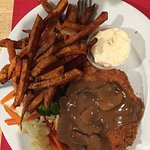 Sweet potato fries, veggies & Rham Schnitzel