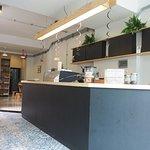โฮมเมดเบเกอรี่ สดใหม่  กาแฟทางร้านเป็นสูตรเฉพาะที่เบลนด์ขึ้นมาเพื่อเอาใจคอกาแฟที่หลากหลาย