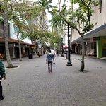 Fort Street walking towards Cafe