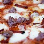 Gusto, leggerezza e convenienza: questo e molto altro sono le pizze Basta Poco
