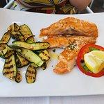 26.4.2018 - Salmone alla griglia con zucchine grigliate.