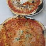 Pizza 4 quesos y montecarlo