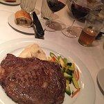 Foto de 555 East American Steakhouse