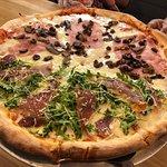 Foto de Pizza Dina