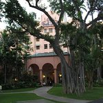 The Royal Hawaiian, A Luxury Collection Resort, Waikiki Photo