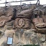sculture scolpite nel tufo (piscina piccola)