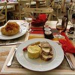 Φωτογραφία: Εστιατόριο Κορίνα
