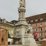 صورة فوتوغرافية لـ Piazza Walther