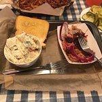 Foto de Mark's Feed Store Bar-B-Q