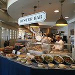 The Oyster Bar at Harbor House. My first stop.