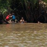 Delta del Mekong, passeggiata in gondola in mezzo alla giungla