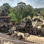 Angkor Guide Sopanha Private Tours Foto