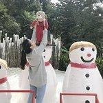 Com os bonecos de neve