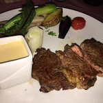 Rib Eye with grilled vegetables and bernaise sauce