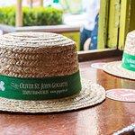 Il tipico cappello del locale da poter indossare per le foto di rito