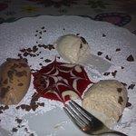 Maroni-Schokolademousse mit Fruchtspiegel