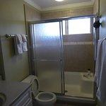 Unit 3M - Adequate plenty of hot water