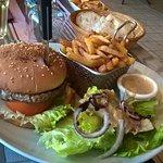 Burger charolais avec sauce au poivre