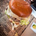 Burger im Mittagsangebot mit Beilage und Getränk für unter 10€