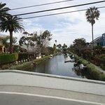 Photo de Venice Canals Walkway