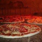 Készülnek a pizzák :-)