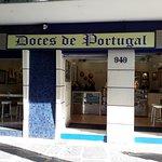 Fachada da doceria na Rua Santa Rita Durão, 949