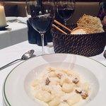 صورة فوتوغرافية لـ Novikov Restaurant & Bar