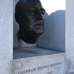 FDR Statue