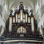 Orgelfront met rugpositief en pedaaltorens