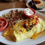 Foto de Cousins Restaurant & Lounge