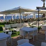 תמונה של חוף מיקונוס מסעדה באילת
