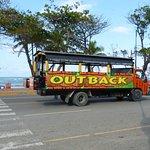 Camion d'excursion le long du Malecon