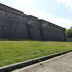Photo de Fortress and Walls of Pamplona