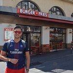 Photo de Burger and Fries