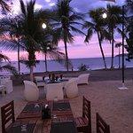 Foto de Café de Playa Beach Resort & Dining
