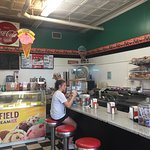 Foto de Connie's Ice Cream Parlor