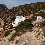 Secluded church on Sifnos, hiking with Anna