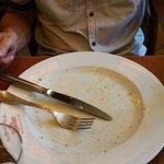 Das war ein Schnitzel mit leckerem Spargel und Kartoffeln. Alles verputzt.
