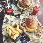 صورة فوتوغرافية لـ Manhattn's Burgers Beurs