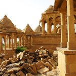 Quelques ruines mais la grande majorité est en parfait état