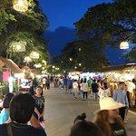 ภาพถ่ายของ Hua Raw Night Market