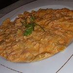 Parmigiana, farfallette al salmone, pesto