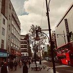 """""""شارع اكسفورد في عز الربيع"""""""