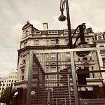 صورة فوتوغرافية لـ Oxford Street